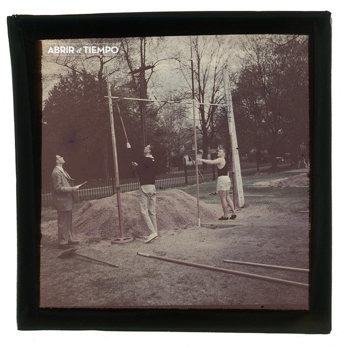Stadium-Pole-1940-Abrir-el-tiempo-2