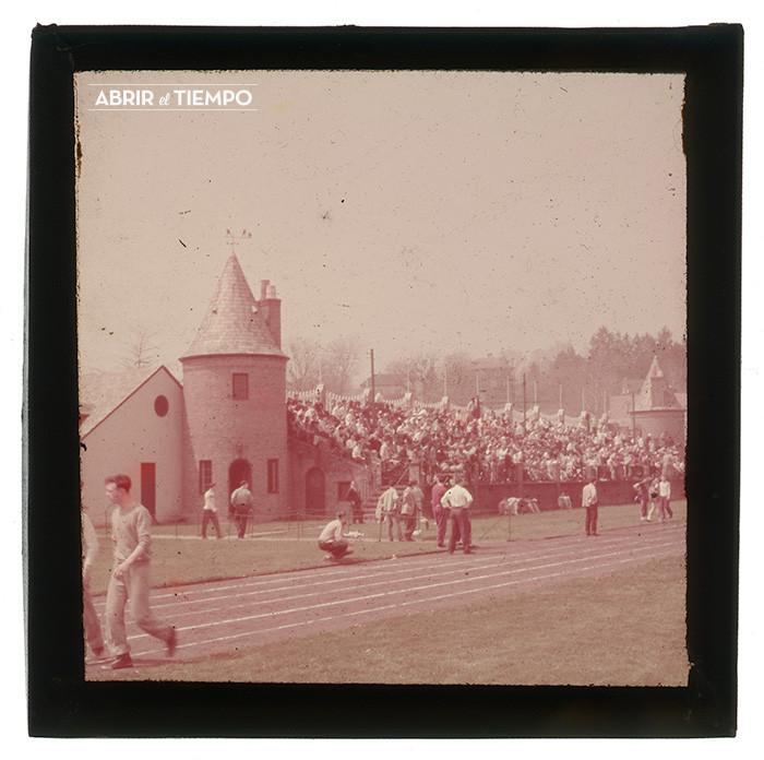 Stadium-Pole-1940-Abrir-el-tiempo-4