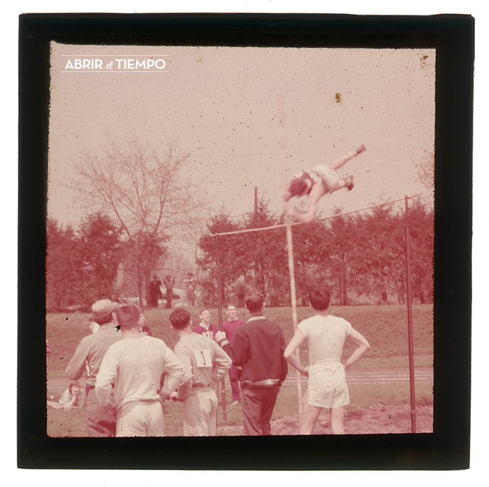 Stadium-Pole-1940-Abrir-el-tiempo-5