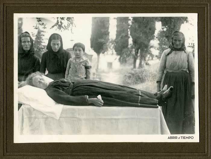 Un entierro en algún pueblo perdido de la Argentina